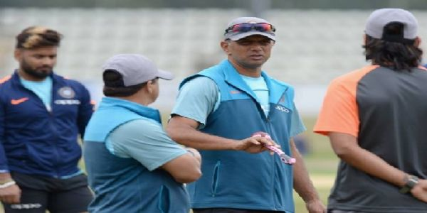Rahul Dravid to become India's head coach? Read here-